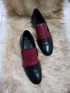 Authentic Celine Two Toned Leather Ladies Loafers Size 36.5 also fits to size 37 to 37.5