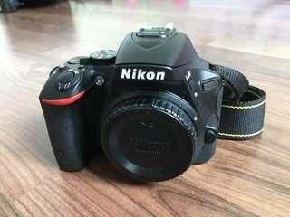 Nikon D5500 Body + 2 batteries + bag