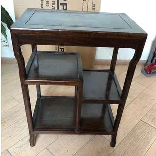 多層古老木製櫃