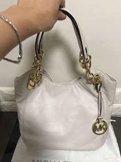 95%new Michael Kors handbag
