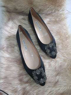 Brand New Manolo Blahnik Hangisi In Black Satin Flats Size 38
