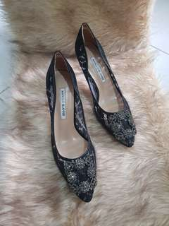 Brand New Manolo Blahnik Hangisi In Black Lace/Satin Pumps Size 38