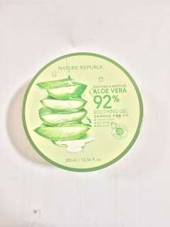 Nature Republic Soothing and Moisture Aloe Vera Gel 92%