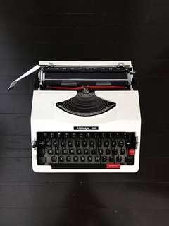 Message 350 Vintage Typewriter