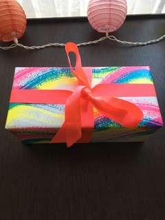 Lush Northern Lights bath bomb gift set