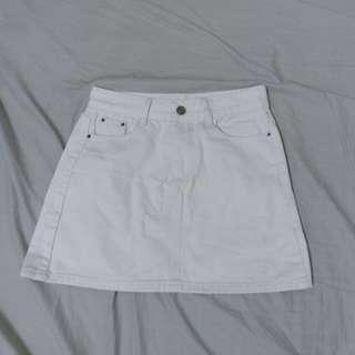 🚚 白色a字短裙