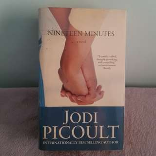 Nineteen Minutes by Jodi Picoult