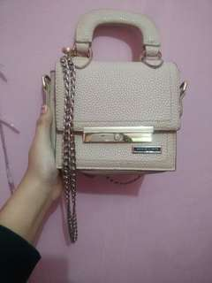 Tas charles and keith only 75k
