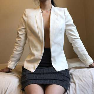 White Forever New blazer / suit jacket RRP$100