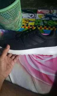 Sepatu adidas 100000000% original
