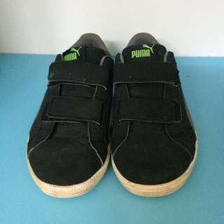 MARKDOWN Puma boy shoes