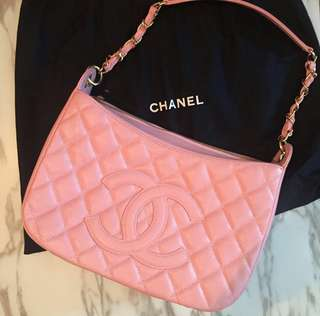 Chanel pink handbag,not gucci