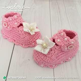 Kado Unik Sepatu Bayi Perempuan