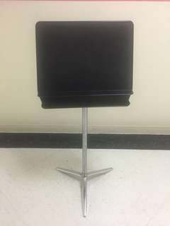 WENGER PROFESSIONAL MUSIC STAND