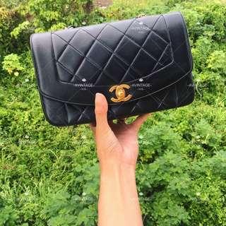 Chanel Vintage 黑色羊皮 Diana Bag 22cm