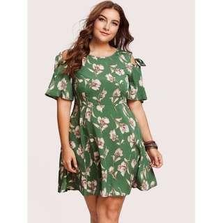 Plus Size Coldshoulder Floral Dress