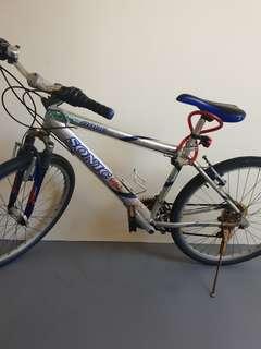 SONIC 8800 Mountain bike