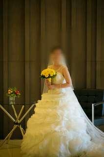 Elegant wedding gown 5,000
