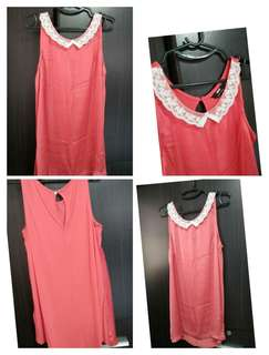 Sleeveless top coral color, lace collar, front polyester back viscose