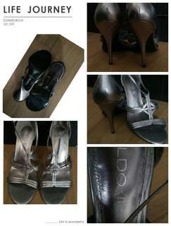 Aldo stilletto silver gray color