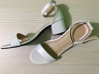 """""""FAYE. In White Customizeable Sandals"""
