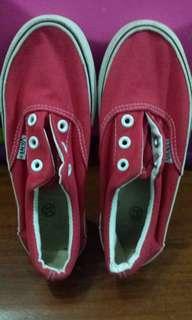 Kids Vans shoes/ size 32