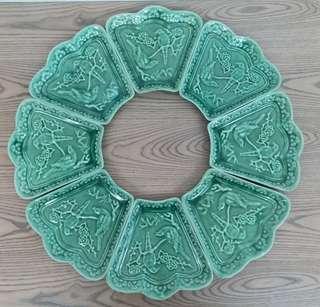 60年代豆青綠釉碟一套8隻