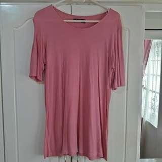 Pink plain top with a shoulder hole