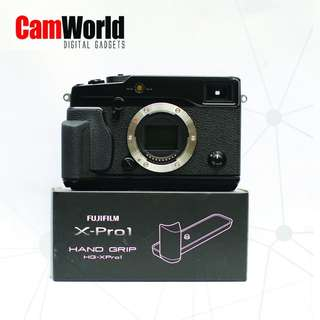 FUJIFILM X-PRO 1 BODY WITH NEW UNIT METAL HAND GRIP