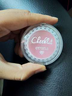 Blush on emina cheeklit cherry blossom