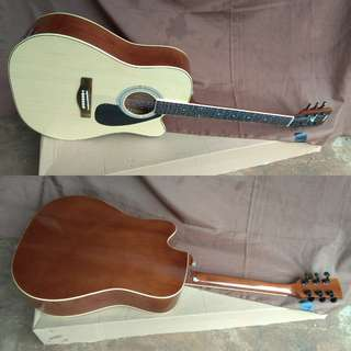 Gitar akustik jumbo naturale