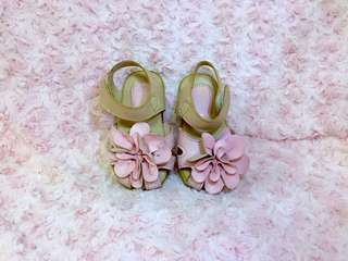 Nude with baby pink flower sandals