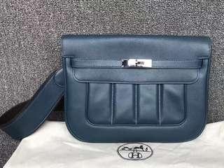 正品 95%新 Hermes Berline GM 深藍色側揹袋