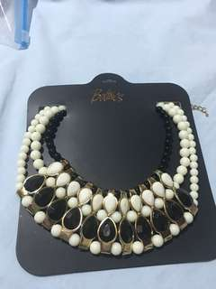 (brandnew) fashion black&white necklace