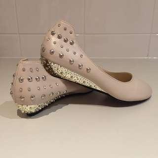 Women's Shoe Size 39