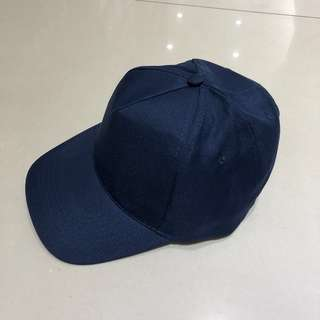 Topi polos UNISEX new with tag