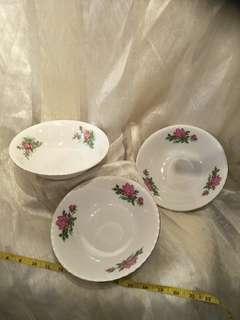 3pc of vintage porcelain   x $8=$24