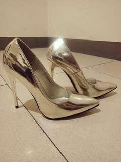 Parisian Pointed heels