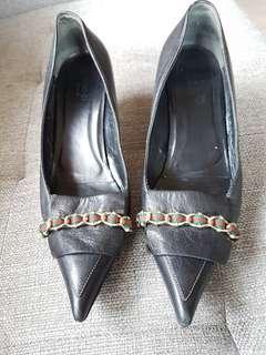Gucci black kitten heels (replica)