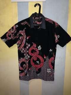 Kemeja batik modern slim fit