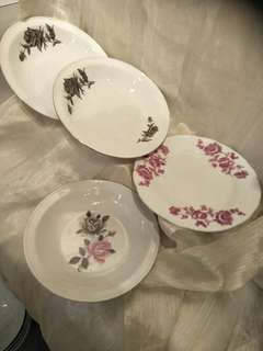 4pc of vintage porcelain x 2.50=$10