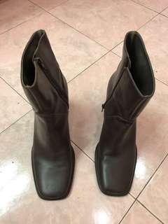 Parade ankle boots