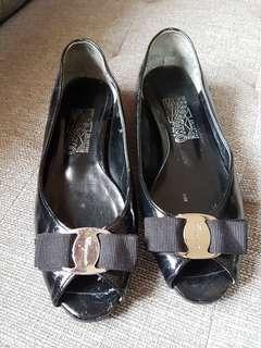 Ferragamo patent open shoes (replica)
