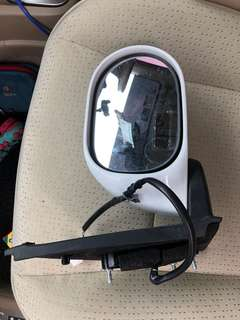 Side mirror right nissan grand livina