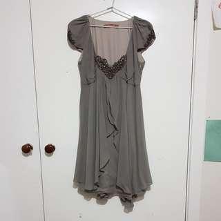 Flowy grey dress
