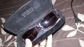 Kacamata merk guess ori