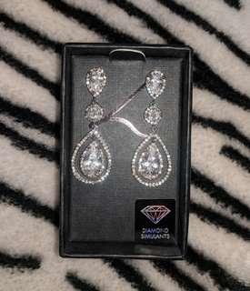 Teardrop Earrings (Diamond Simulants)