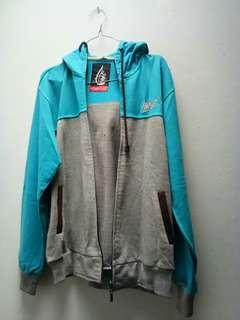 Sweater Aurel biru abu minus di pict 5,6