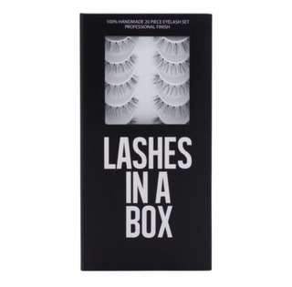 Lashes in a Box in N°18