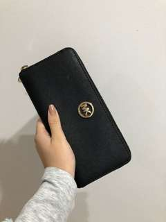 Black michael kors logo wallet
